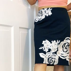 White House Black Market Pencil Skirt Embroidered
